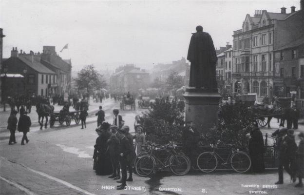 Statue of Sir Matthew Wilson